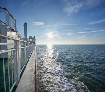 Die Fähre Ostfriesland von der Reederei AG Ems auf dem Weg zur Insel Borkum