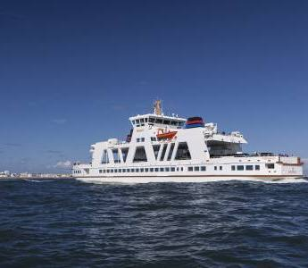 Die Fähre der Reederei Frisia macht sich auf den Weg auf die Ostfriesische Insel Norderney